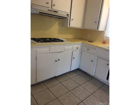Single Family Residence, Contemporary - Bakersfield, CA (photo 4)