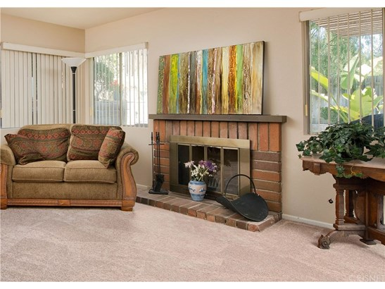 Townhouse - Canyon Country, CA (photo 3)