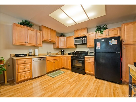 Townhouse - Canyon Country, CA (photo 5)