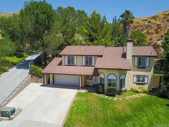 Single Family Residence, Traditional - Canyon Country, CA (photo 3)