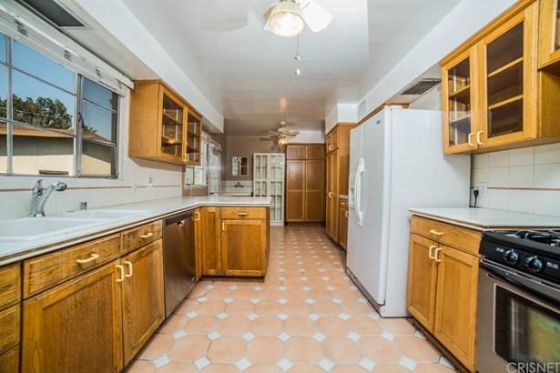 Single Family Residence, Ranch - Granada Hills, CA (photo 4)