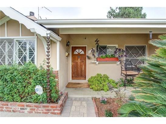 Single Family Residence, Traditional - Granada Hills, CA (photo 3)