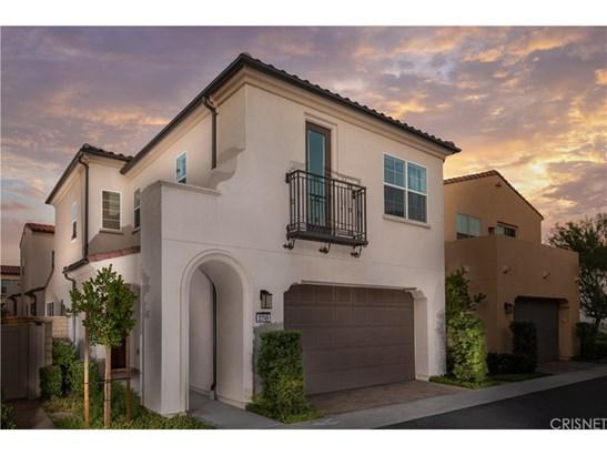 Single Family Residence - Saugus, CA
