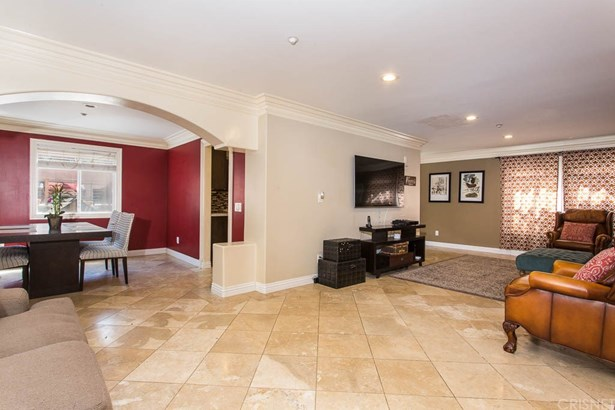 Single Family Residence, Traditional - Sylmar, CA (photo 4)