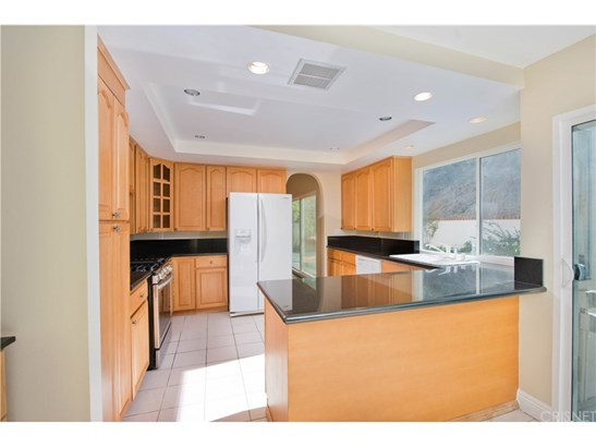 Single Family Residence, Traditional - Tarzana, CA (photo 5)