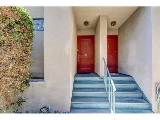 Townhouse - Granada Hills, CA (photo 3)