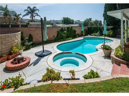 Single Family Residence, Traditional - Valencia, CA