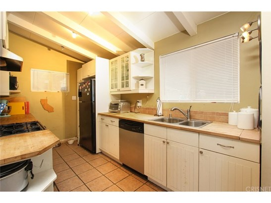 Single Family Residence, Contemporary - Granada Hills, CA (photo 3)