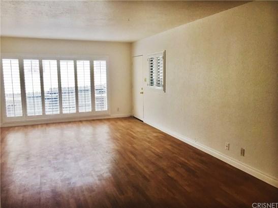 Apartment - Inglewood, CA (photo 2)