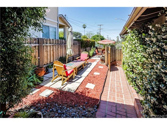 Single Family Residence - Sunland, CA (photo 4)
