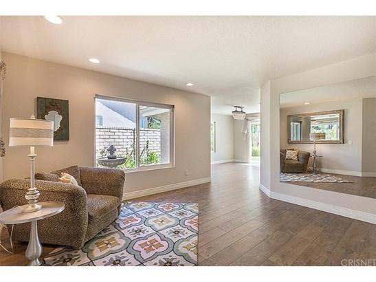 Single Family Residence, Craftsman - Valencia, CA (photo 4)