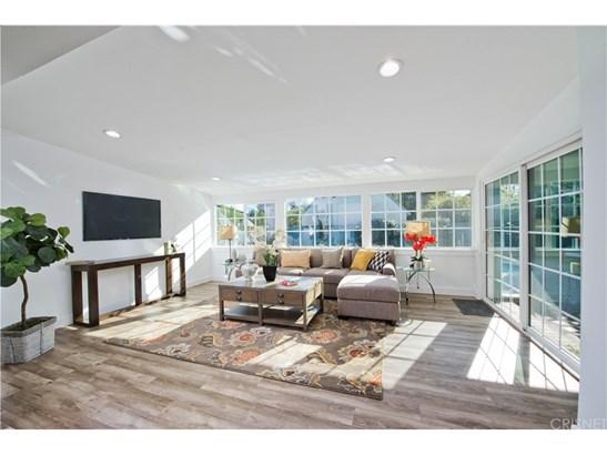 Single Family Residence - Valley Glen, CA (photo 3)