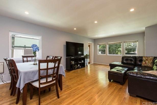 Single Family Residence, Contemporary - Sylmar, CA (photo 3)