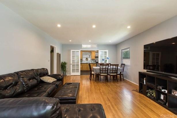 Single Family Residence, Contemporary - Sylmar, CA (photo 5)