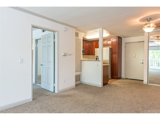Condominium - Woodland Hills, CA (photo 3)
