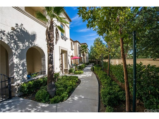 Townhouse, Traditional - Porter Ranch, CA (photo 1)