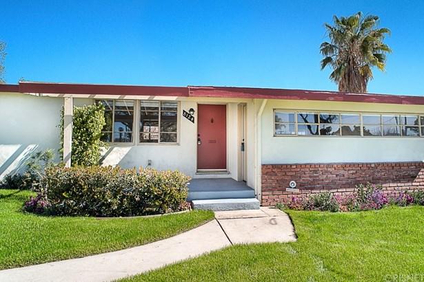 Single Family Residence, Bungalow - Panorama City, CA (photo 2)