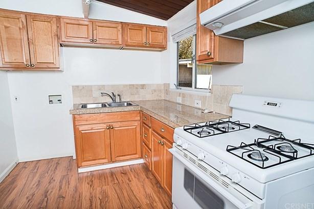 Single Family Residence, Bungalow - Panorama City, CA (photo 5)
