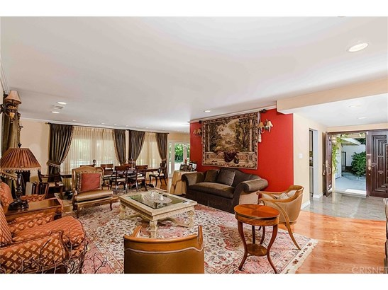 Single Family Residence, Traditional - Woodland Hills, CA (photo 3)
