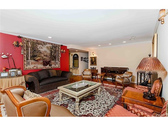 Single Family Residence, Traditional - Woodland Hills, CA (photo 4)