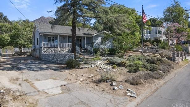 Single Family Residence - Tujunga, CA