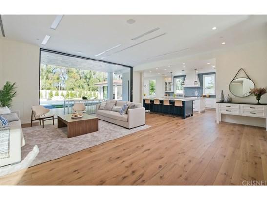 Contemporary,Spanish, Single Family Residence - Tarzana, CA (photo 4)