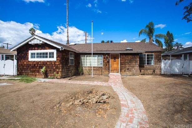 Single Family Residence, Traditional - Lake Balboa, CA