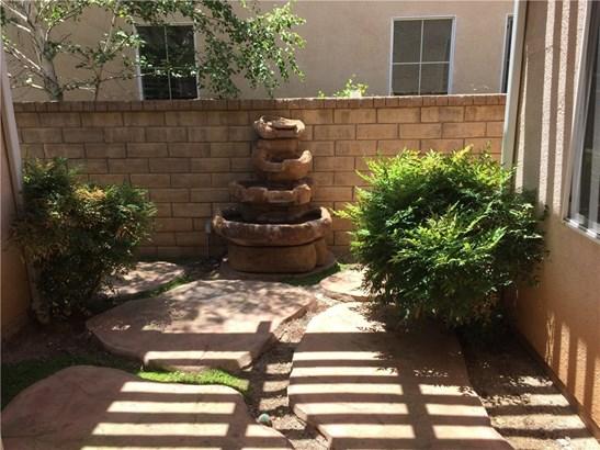 Single Family Residence, Traditional - Valencia, CA (photo 5)