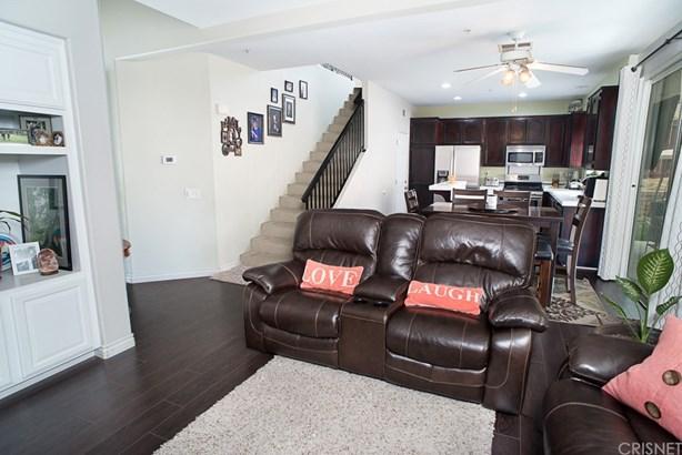 Single Family Residence - Sylmar, CA (photo 4)