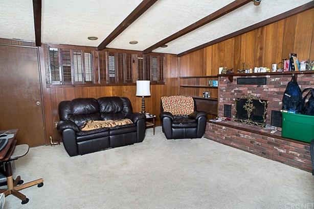 Single Family Residence, Traditional - Winnetka, CA (photo 5)