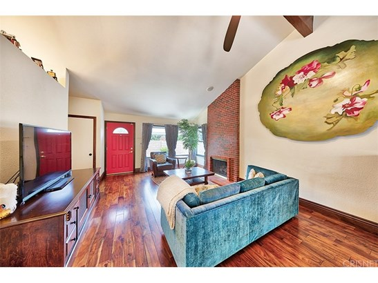 Single Family Residence - Valencia, CA (photo 5)