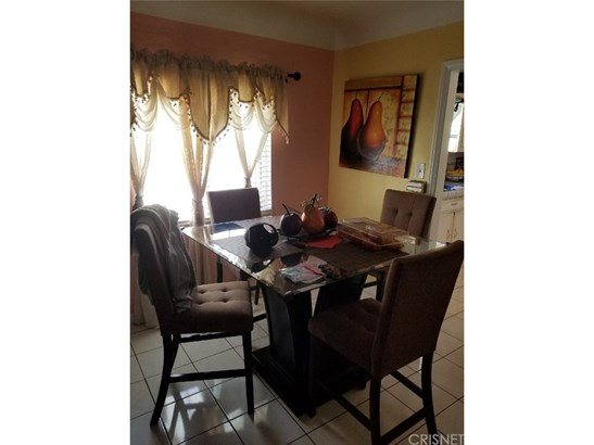 Single Family Residence - Reseda, CA (photo 4)