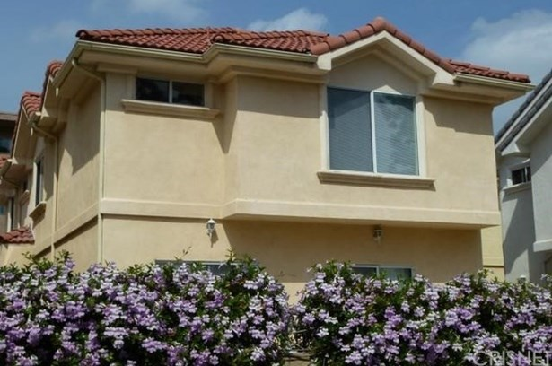 Condominium, Spanish - Reseda, CA (photo 3)