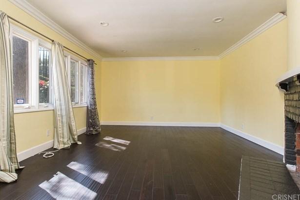 Single Family Residence - Tarzana, CA (photo 4)