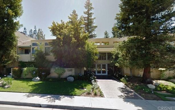 Condominium, Contemporary - Canoga Park, CA (photo 1)