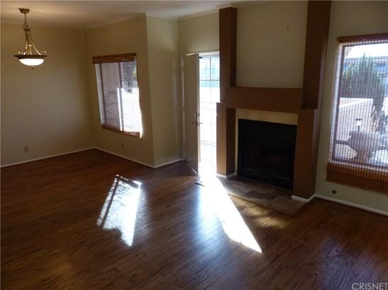 Condominium - Thousand Oaks, CA (photo 2)