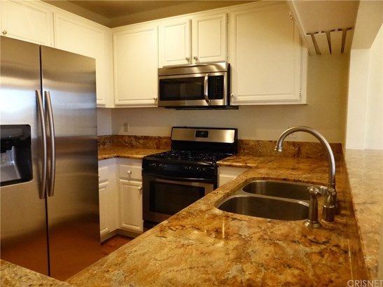 Condominium - Thousand Oaks, CA (photo 3)
