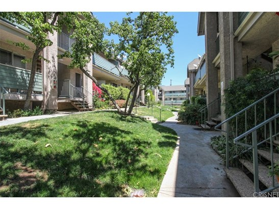 Condominium - Sylmar, CA (photo 1)