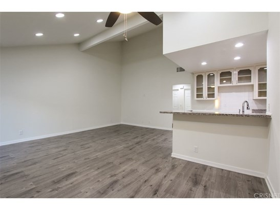 Condominium - Sylmar, CA (photo 5)