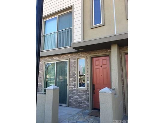 Condominium - Bakersfield, CA (photo 3)