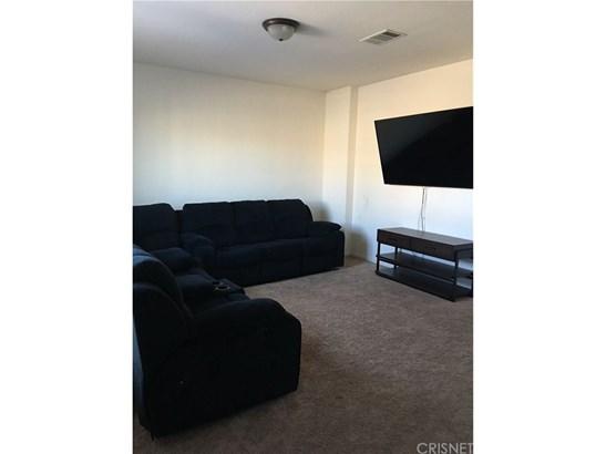 Condominium - Bakersfield, CA (photo 4)