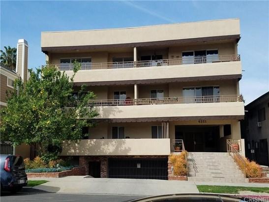 Condominium - Sherman Oaks, CA
