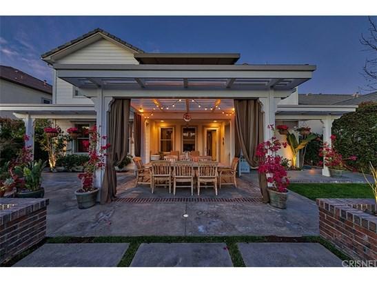 Cape Cod, Single Family Residence - Valencia, CA (photo 4)