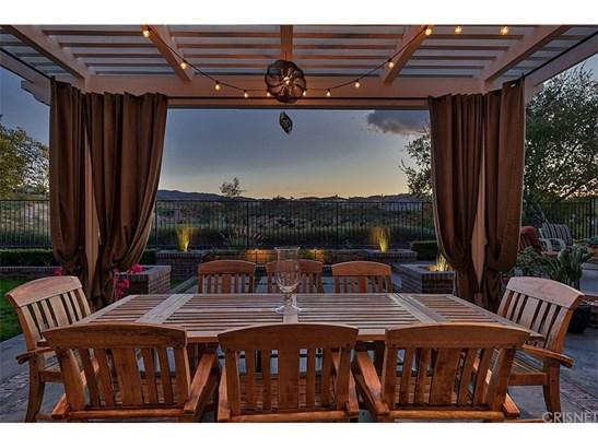 Cape Cod, Single Family Residence - Valencia, CA (photo 5)