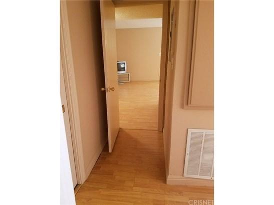 Condominium - Sherman Oaks, CA (photo 4)