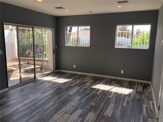 Studio - West Hills, CA