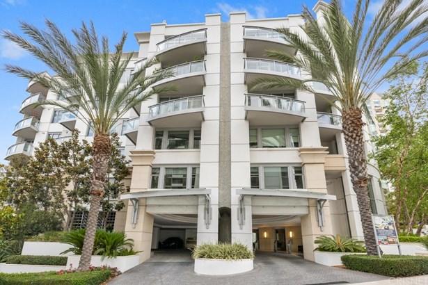 Apartment - Los Angeles, CA