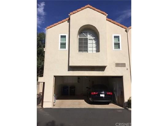 Condominium - Chatsworth, CA