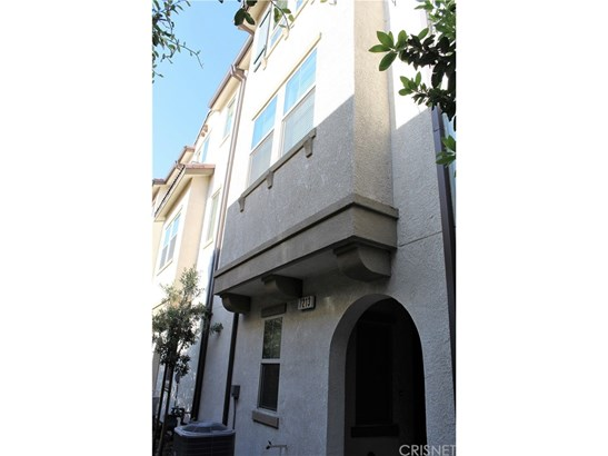 Single Family Residence - Van Nuys, CA