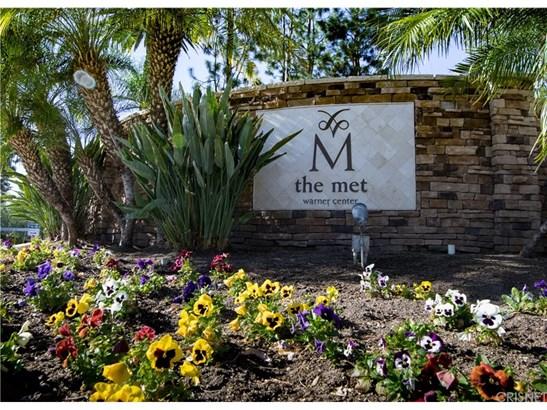 Condominium, Contemporary - Woodland Hills, CA (photo 1)